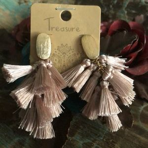 Fringe earrings.